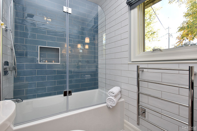 Small bathroom but with some creative design so much - Bano ocular ...