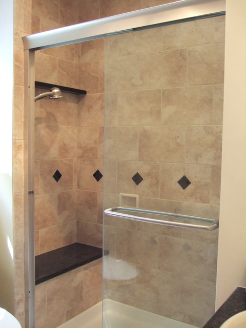 Small bathroom ideas traditional bathroom dc metro for Small bathroom ideas tiles