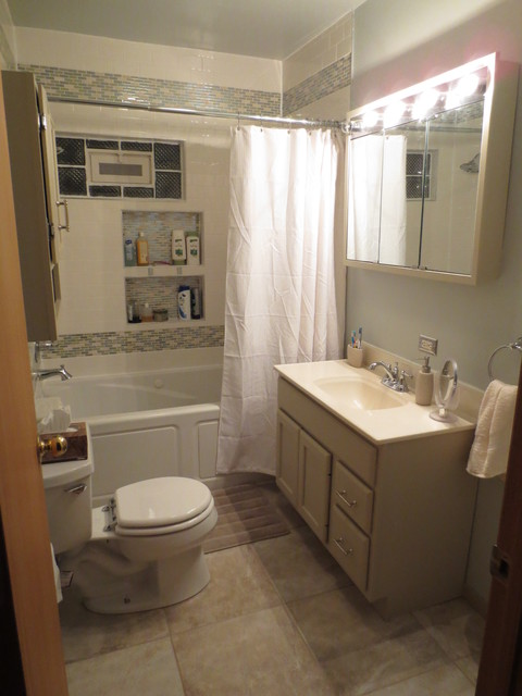 Small bathroom redo traditional bathroom chicago for Redo bathroom ideas