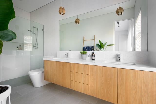 Small beach house modern bathroom perth by david for Small beach house bathroom designs