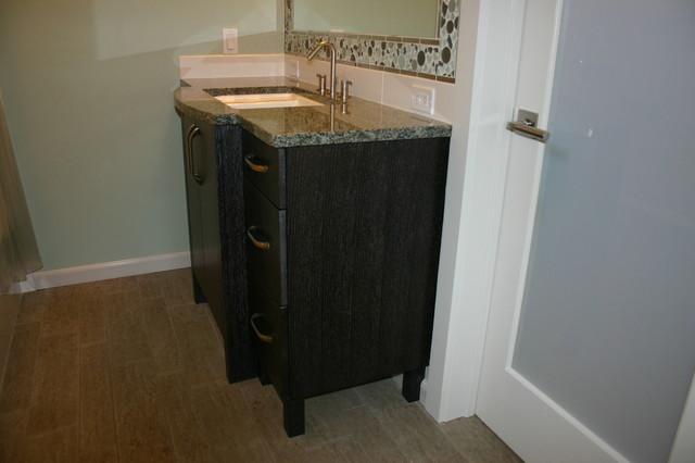Small but efficent  bath remodel contemporary-bathroom