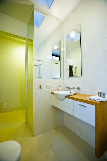 Small haven north melbourne home for Bathrooms r us melbourne