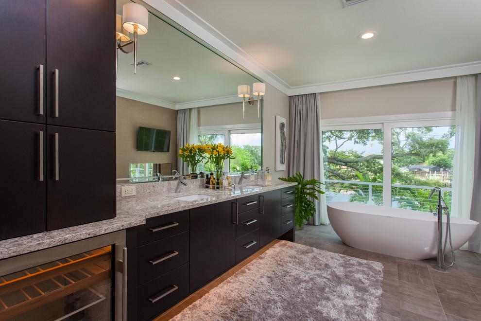 Snell Aisle - St. Petersburg, FL - Modern - Bathroom ...