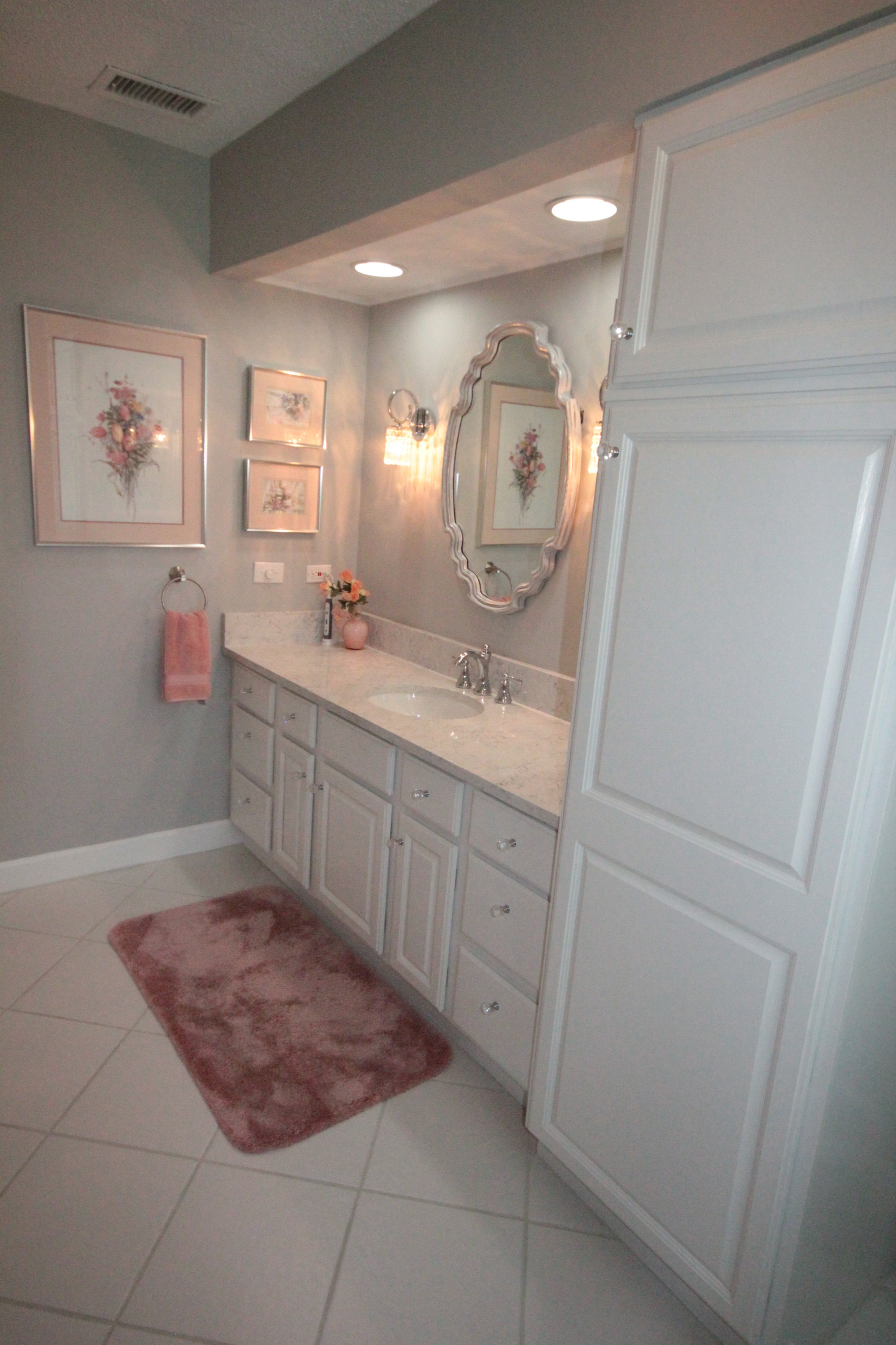 Soft gray color used on the walls