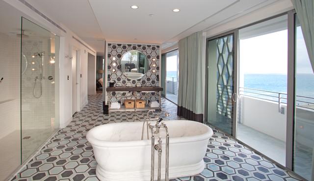 Soho beach house modern bathroom miami by shulman for Bathroom remodeling miami
