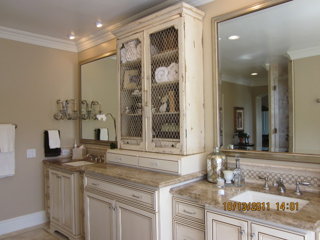 Solana Beach traditional-bathroom