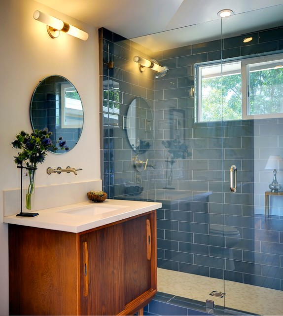 Good Midcentury Bathroom by Peri Perry Productions