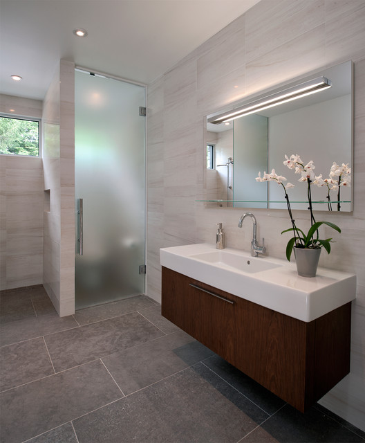 Soper place ottawa contemporary bathroom ottawa for Bathroom designs ottawa