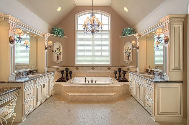 South Barrington traditional-bathroom