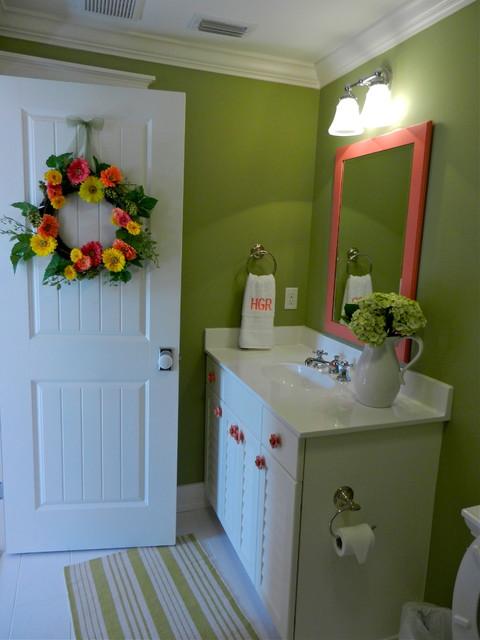 Southern Coastal traditional-bathroom