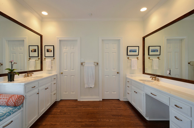 Southern Hospitality traditional-bathroom