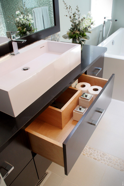 who makes this lavatory cabinet with that type drawer?