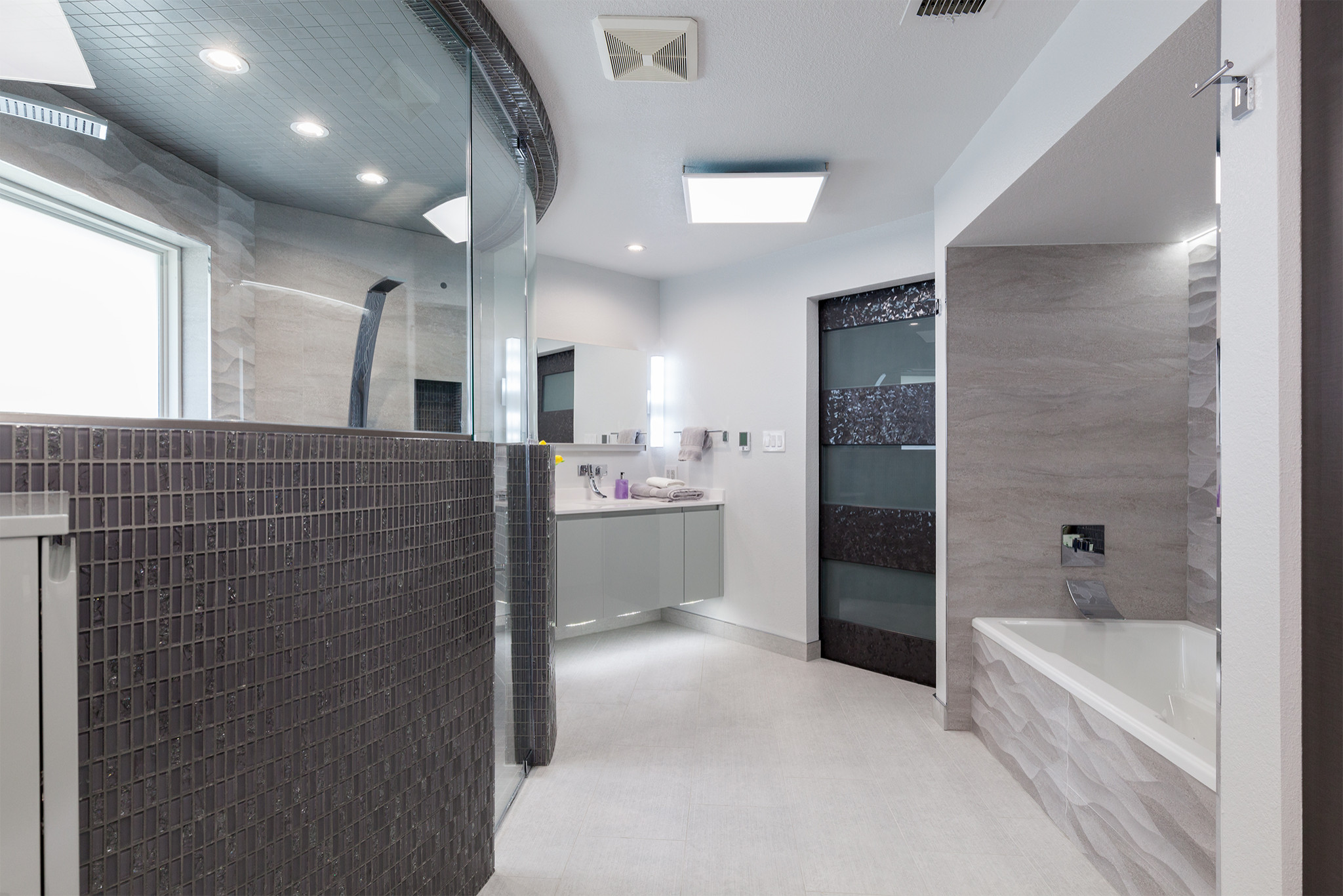 Spa Bath With Shower for Two