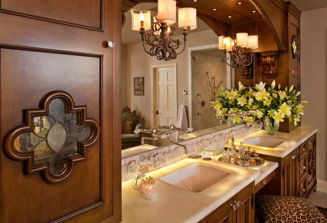 Image gallery spanish bathroom for Colonial style bathroom vanities