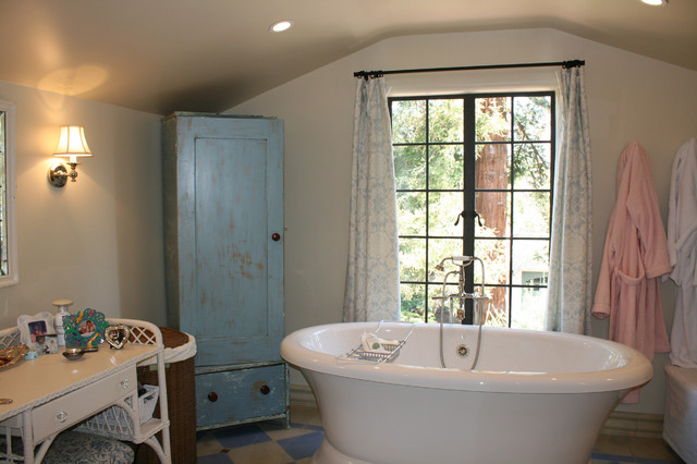 Spanish colonial traditional bathroom san francisco for Spanish colonial bathroom design