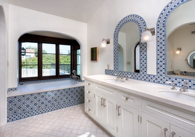 Spanish colonial revival brentwood darlington avenue for Spanish colonial bathroom design