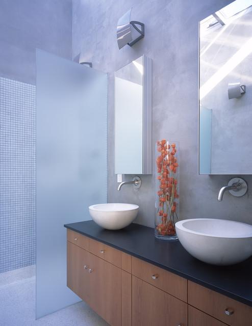 Sproule-Rowen modern-bathroom