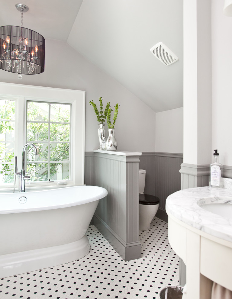 Bathroom - traditional bathroom idea in Atlanta