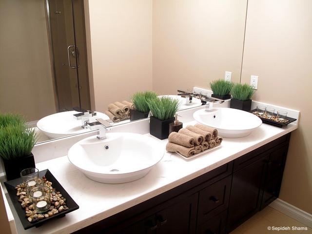St Paul Residence - Bathroom contemporary-bathroom