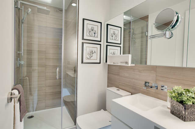 Ordinaire Staging Project Chaz Yorkville Condo Main Bath Contemporary Bathroom