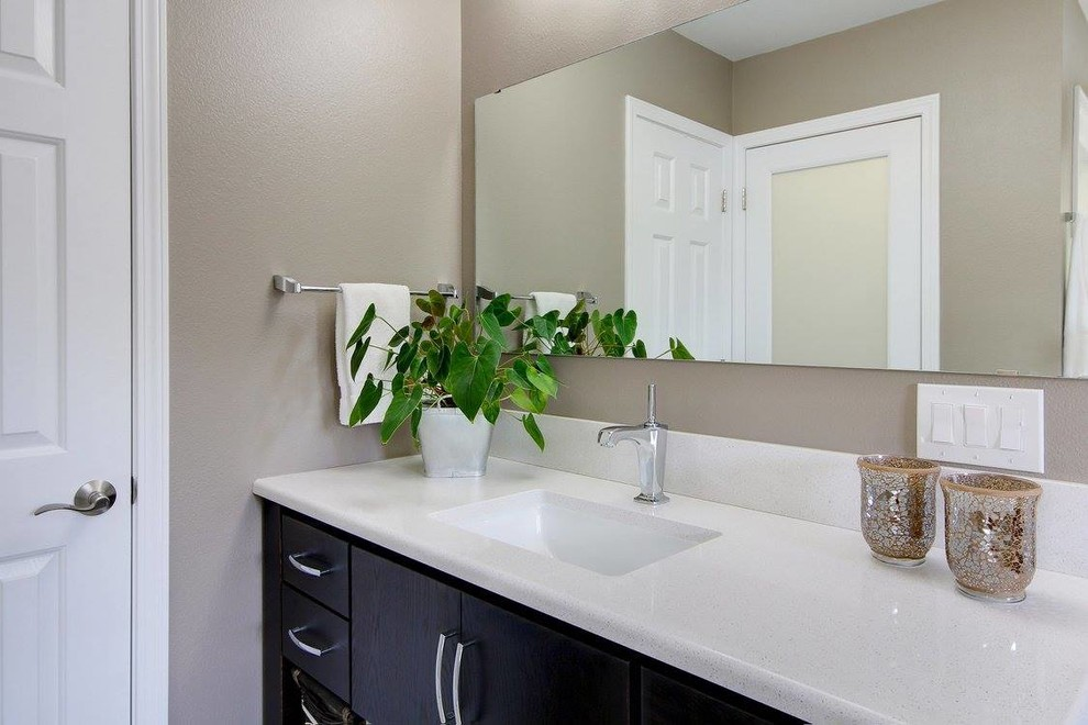 StarMark Cabinetry Designs - Traditional - Bathroom ...