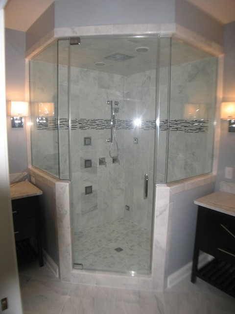Steam Shower With 4 Panel Shower Rainhead And Body Jets