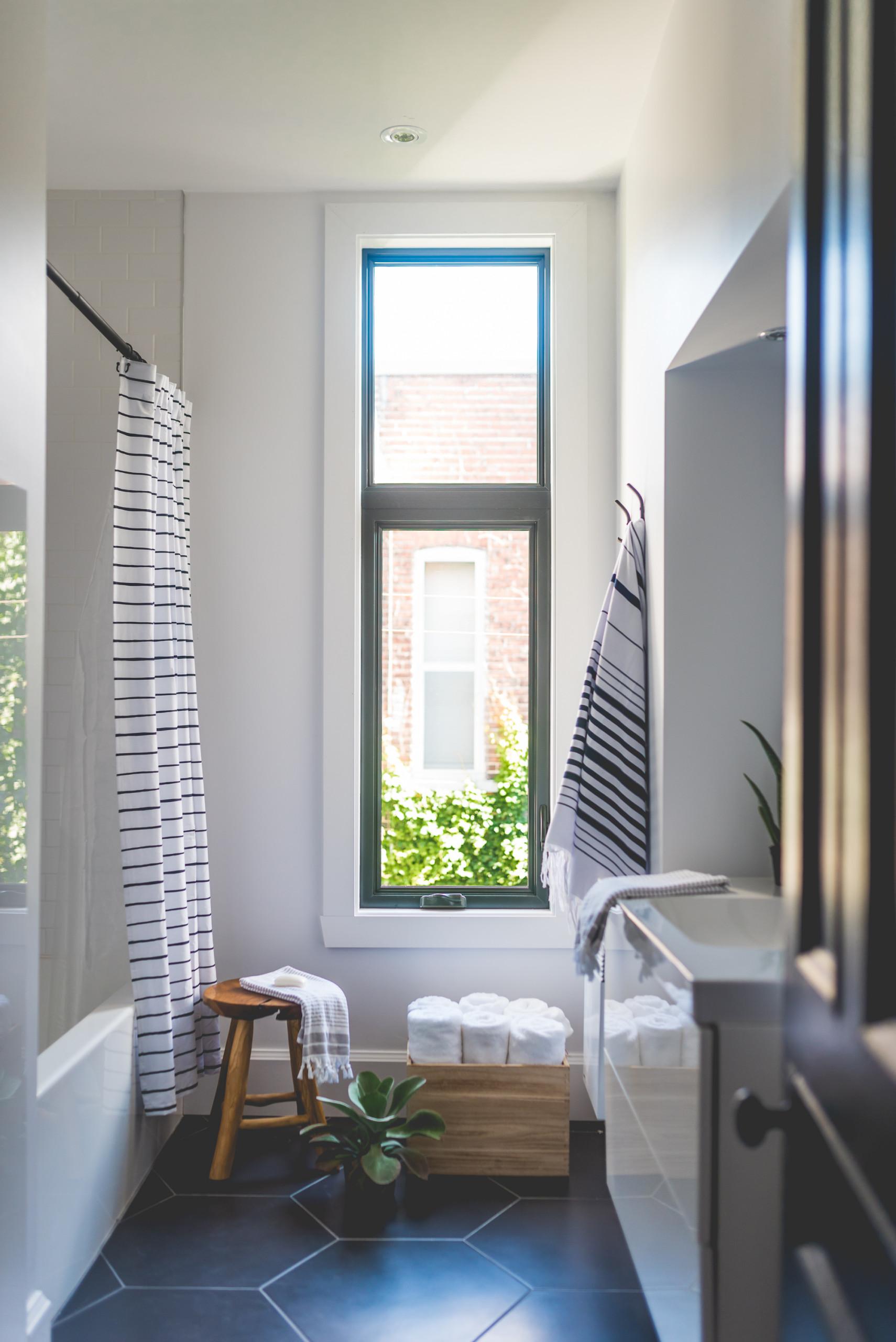 Stéphanie Fortier Design - Salle de bain blanche