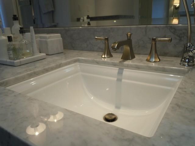 Stephen Mark Johnston traditional-bathroom