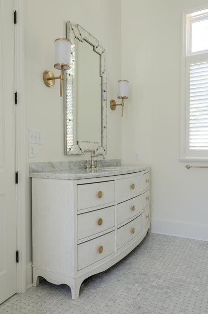Bathroom photo in Miami