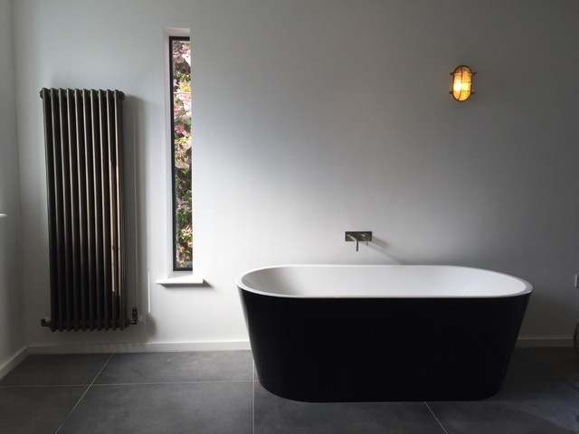 Stoke row road contemporary bathroom oxfordshire for Bathroom design oxfordshire