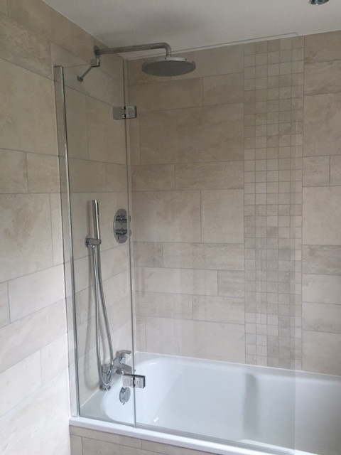 Stone effect bathroom exeter for Bathroom designs exeter