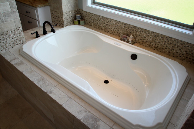 Stonebriar traditional-bathroom