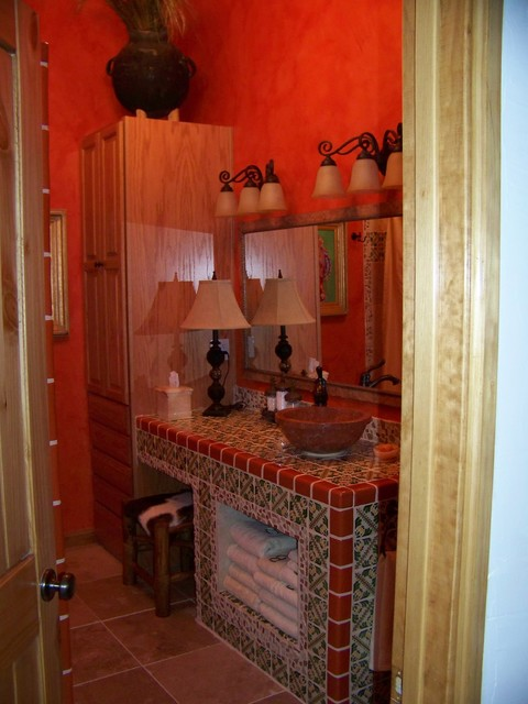 Santa fe style home on deer park alto eclectic bathroom for Santa fe style bathroom ideas