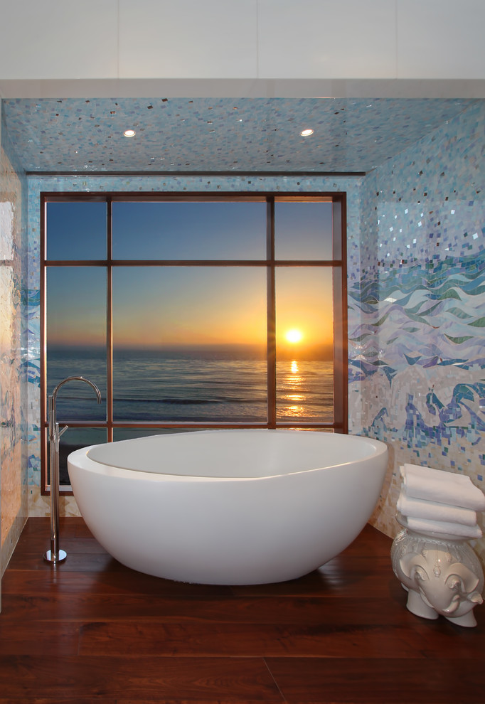 Inspiration for a contemporary freestanding bathtub remodel in Orange County