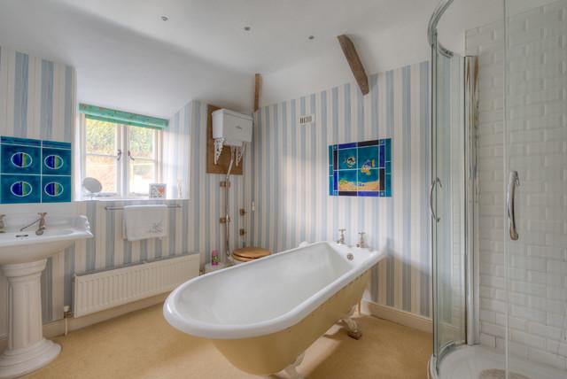 Strawberry Hill Farm farmhouse-bathroom