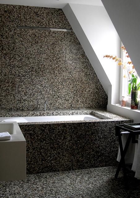 Studio 176 modern-bathroom