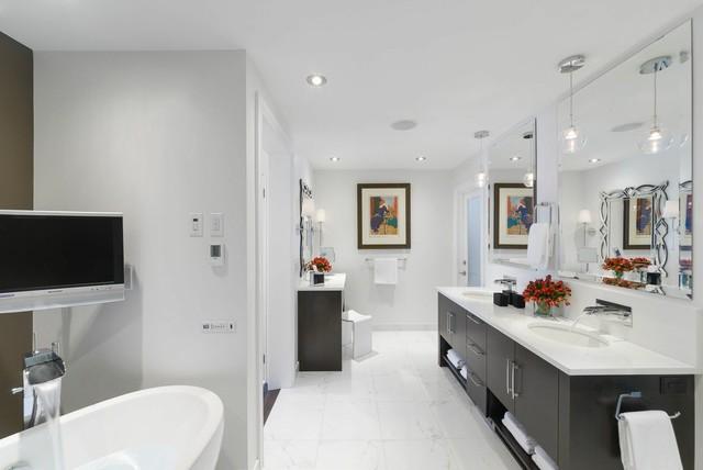 Stunning bathroom renovations by astro design ottawa for Grand designs 3d renovation interior