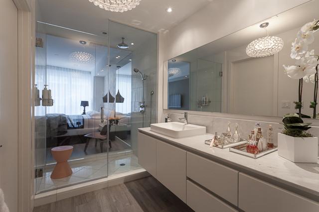 Stylehaus Paramount Bay Stylish Two Story Loft By Design District Modern Bathroom