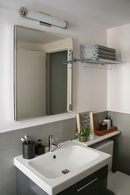 stylish bathroom reno on budget in brooklyn vintage coop. Black Bedroom Furniture Sets. Home Design Ideas