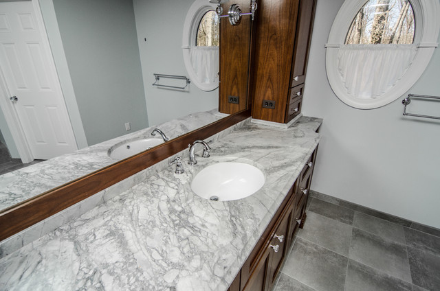 Super White Quartzite Master Bathroom Contemporary