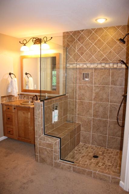 Superior traditional-bathroom