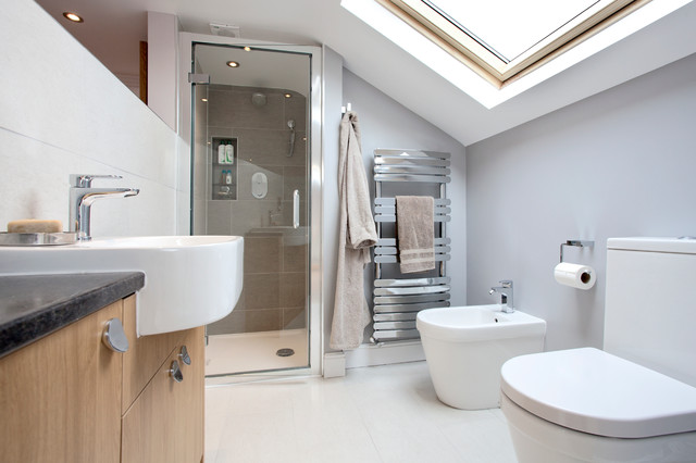 Surrey rear dormer loft conversion 2 bedrooms 2 for Bedroom designs with attached bathroom and dressing room