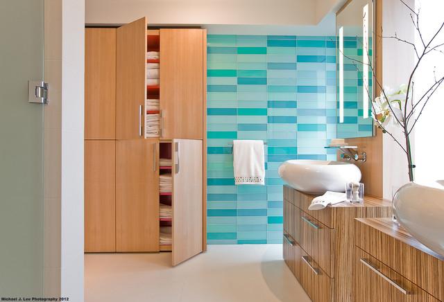 Swampscott - Bathroom contemporary-bathroom