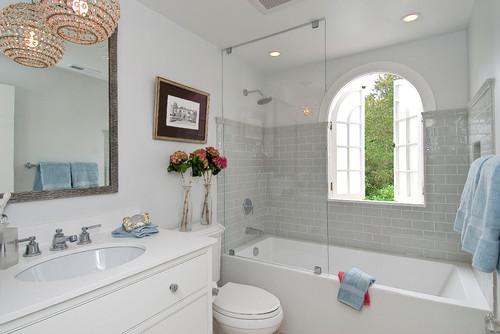Who Makes This Flat Front Apron Bath Tub