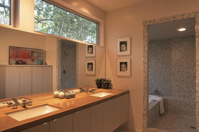 Tarrytown Residence midcentury-bathroom