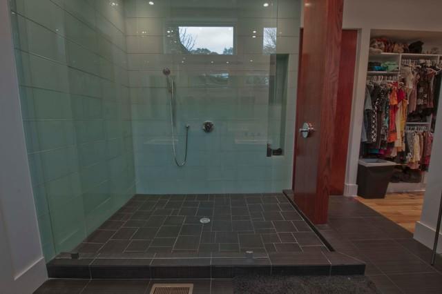 Taylor-Buis Residence contemporary-bathroom