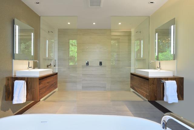 Bisson ranch contemporary bathroom toronto by for Modern ranch bathroom