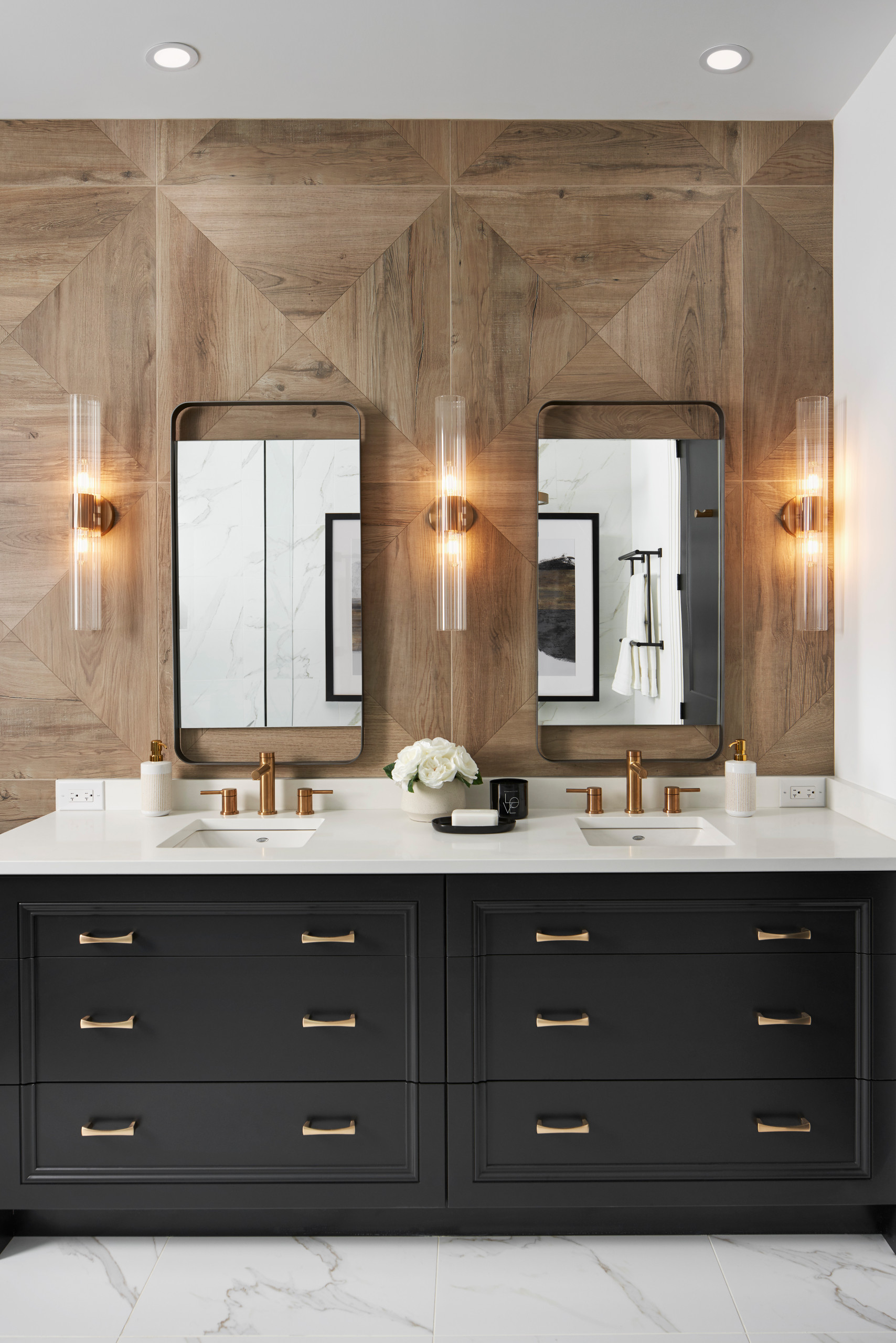 75 Beautiful Wood Look Tile Bathroom Pictures Ideas December 2020 Houzz