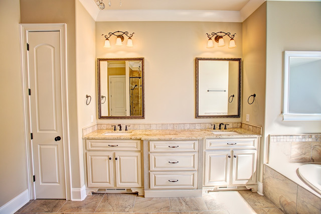 10 Sotheby Place- McMullen Cove traditional-bathroom