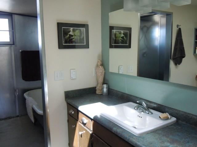 The Atelier of 7th Street - modern-bathroom